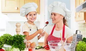 Consigli per la corretta educazione alimentare per famiglia e bambini